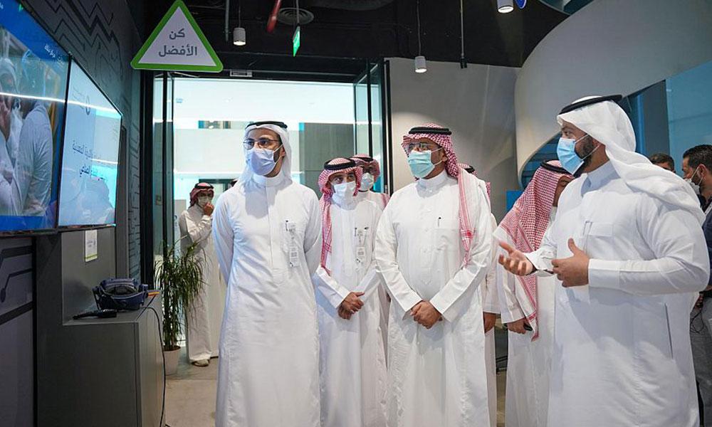 وزير الصناعة السعودي: نسعى لبناء بيئة صناعية محفّزة للمنشآت الصغيرة والمتوسطة