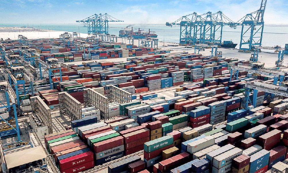 """""""أبوظبي البحرية"""" و""""أدنوك"""": اتفاقية تعاون في القطاع البحري"""