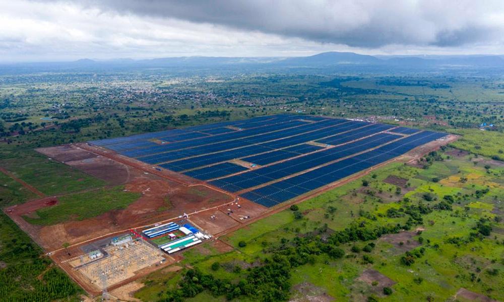 تدشين مجمع محمد بن زايد للطاقة الشمسية في توغو