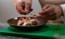 هيلتون تحتفل باليوبيل الذهبي لدولة الإمارات بإطلاق قائمة طعام خاصة