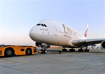 طيران الإمارات: طائرة A380 إلى جوانزو والقاهرة وأمستردام