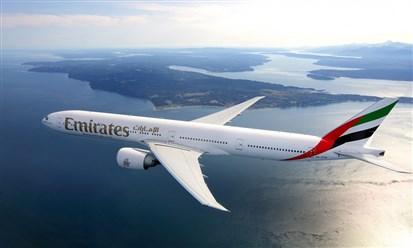 طيران الإمارات  تنهي خدمات آلاف الموظفين