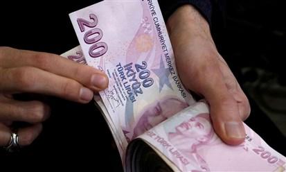 الليرة التركية تتراجع 17% على وقع إقالة رئيس البنك المركزي