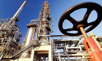 روسيا: إنتاج النفط ينخفض إلى 10.45 ملايين برميل يومياً في أبريل