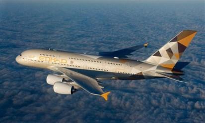 الاتحاد للطيران تجمع أول قرض مرتبط بالاستدامة