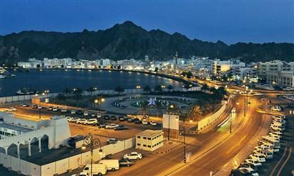 سلطنة عمان تعيد فتح بعض الأنشطة التجارية