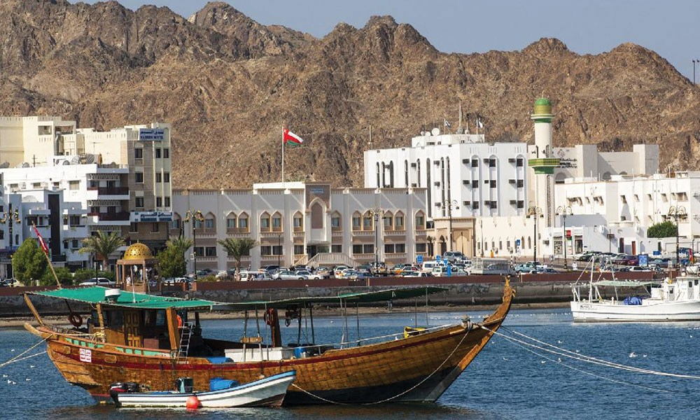 سلطنة عمان: الضغوط المالية تسابق الإصلاحات الاقتصادية