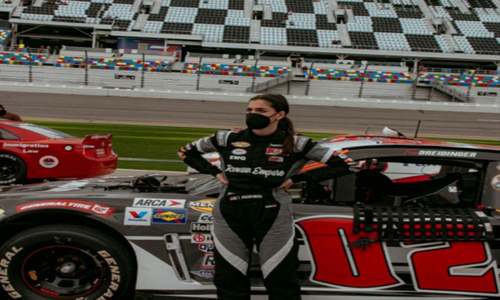 أول سائقة عربية لسيارات ناسكار تشارك في سباق فلوريدا