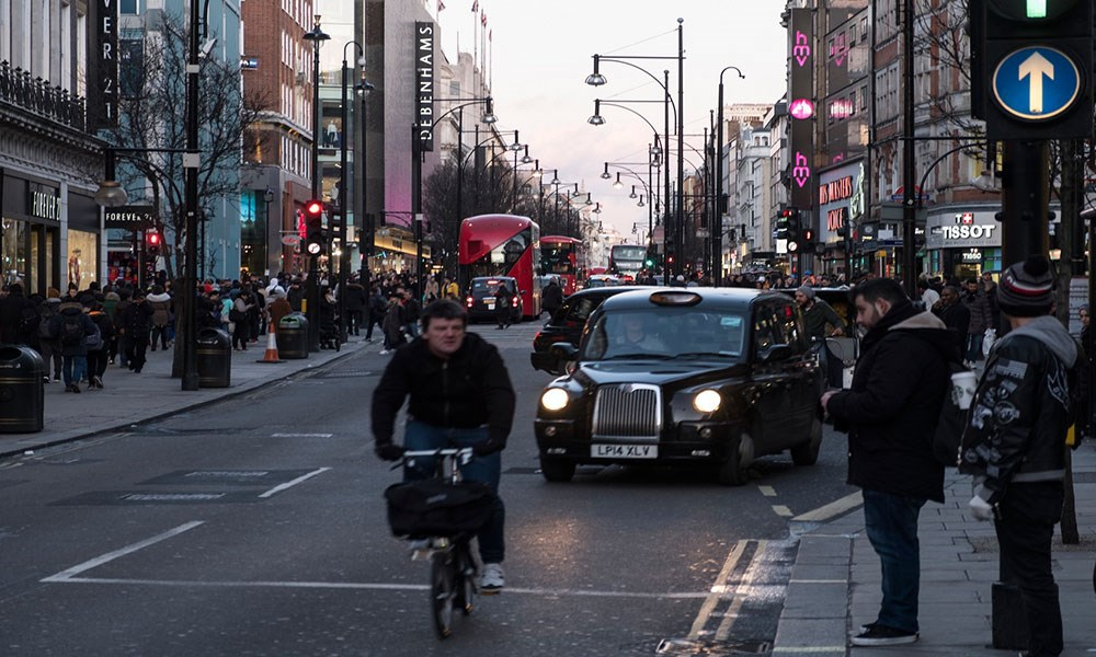 بريطانيا: معدّل البطالة يتراجع إلى 4.8 في المئة