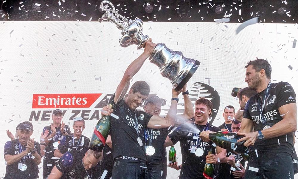 OMEGA تحتفل بفوز شريكها في كأس أميركا السادس والثلاثين