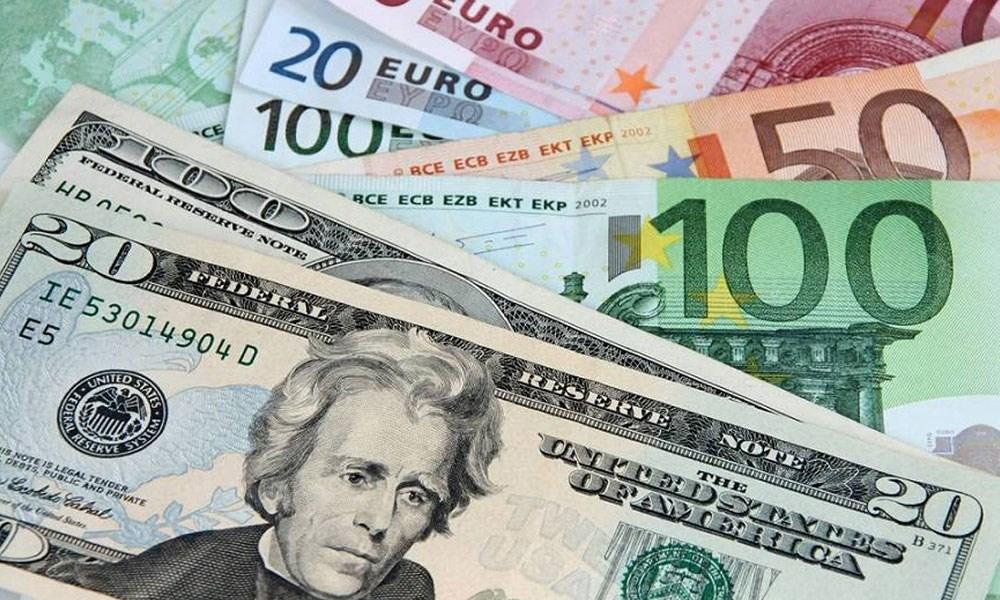 الدولار الأميركي قرب أدنى مستوى له في 5 أشهر