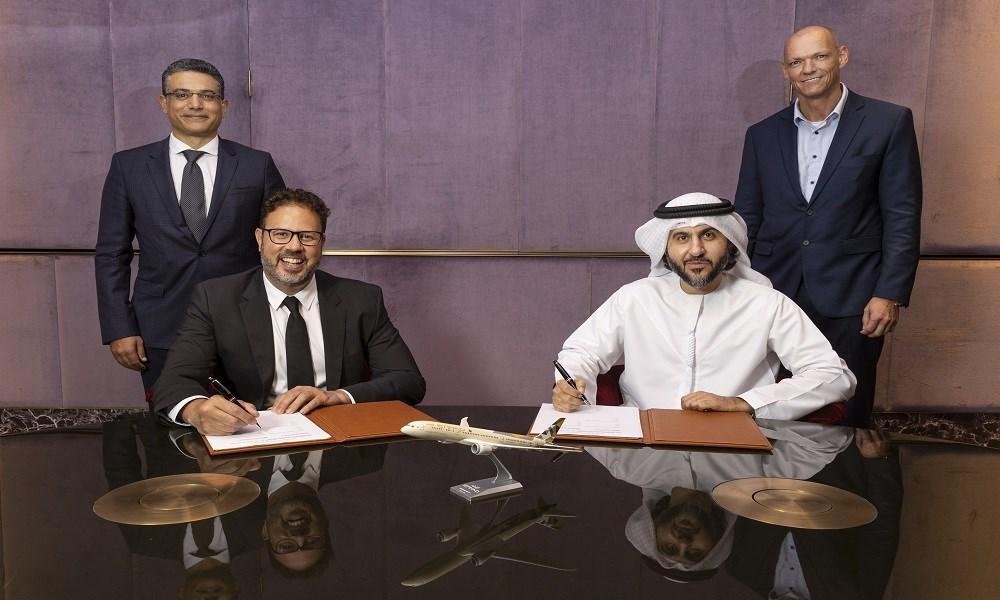 الاتحاد للطيران توقع اتفاقية مع أماديوس لتطبيق أحدث تقنيات السفر